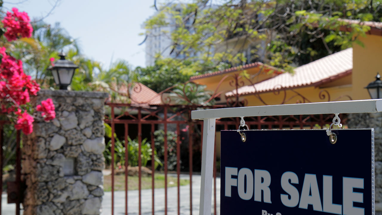 4 signs you're about to pay more than a house is worth